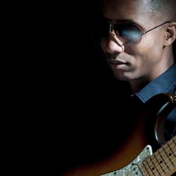 Elliot Holden an Urban Guitar Legend - photo by Libra Cordero