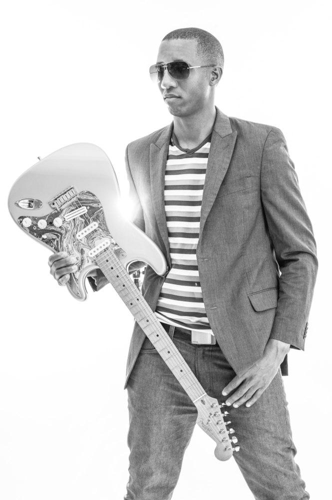 Elliot Holden - Urban Guitar Legend